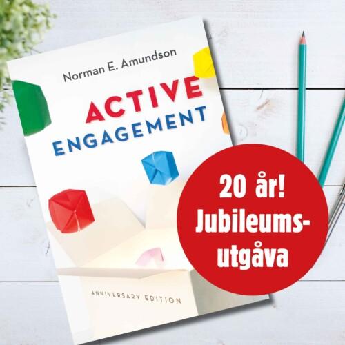 """Boken """"Active Engagement"""" på ett skrivbord"""